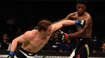 041616-UFC-Michael-Graves-Randy-Brown-PI.vresize.1200.675.high.86