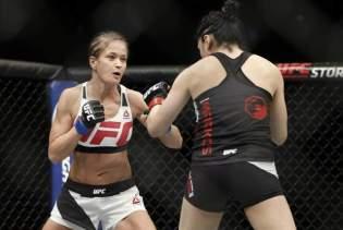 2015-12-20T020526Z_265281664_NOCID_RTRMADP_3_MMA-UFC-FIGHT-NIGHT-MARKOS-VS-KOWALKIEWICZ