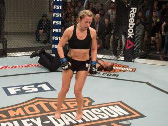 636003182389902162-Amanda-Bobby-Cooper-knockout